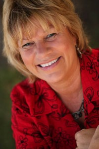 martha giffen - be social be rich author